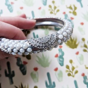 Embellished Raised Pearl Bangle Set in Silver